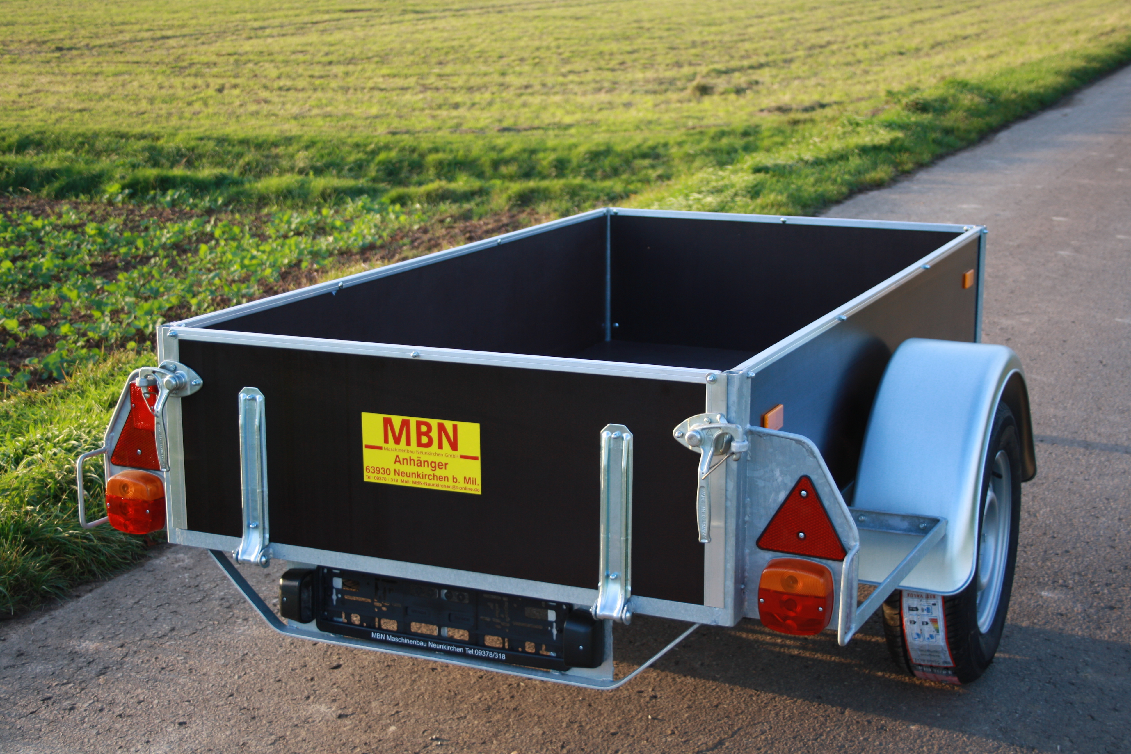 Tieflader MBN 750kg Holz